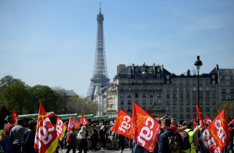 Uczestnicy protestu /STEPHANE DE SAKUTIN /AFP