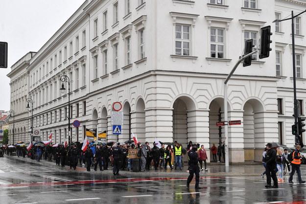 Uczestnicy protestu /Radek  Pietruszka /PAP