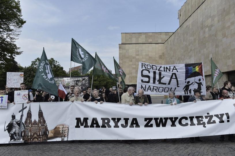 Uczestnicy Trójmiejskiego Antymarszu Równości /Adam Warżawa /PAP