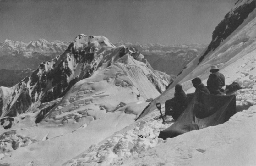 Uczestnicy wyprawy z 1932 roku, zdjęcie zrobił Willy Merkl /Wikimedia Commons /materiały prasowe