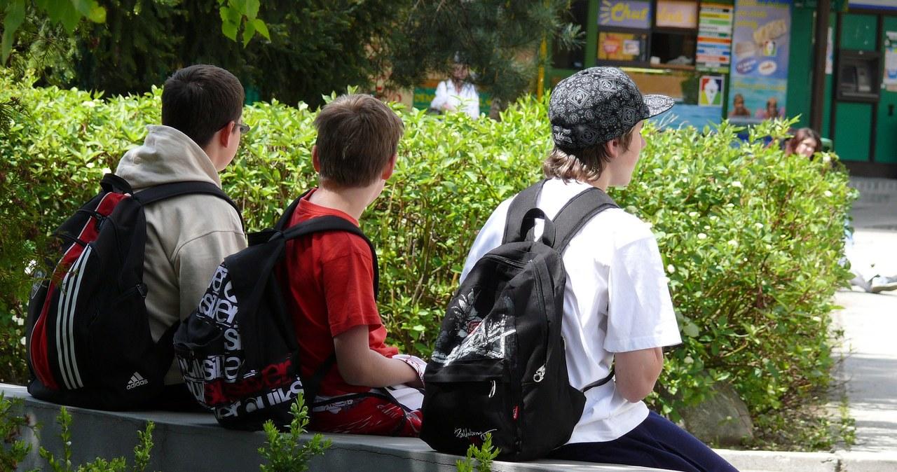 Uczniowie boją się powrotu do szkół. Jak można im pomóc?