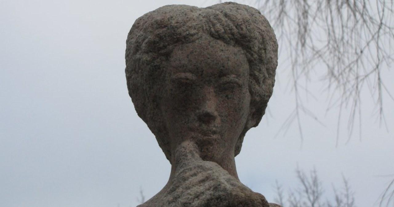 Uczniowie odzyskali pomnik Króla Maciusia Pierwszego