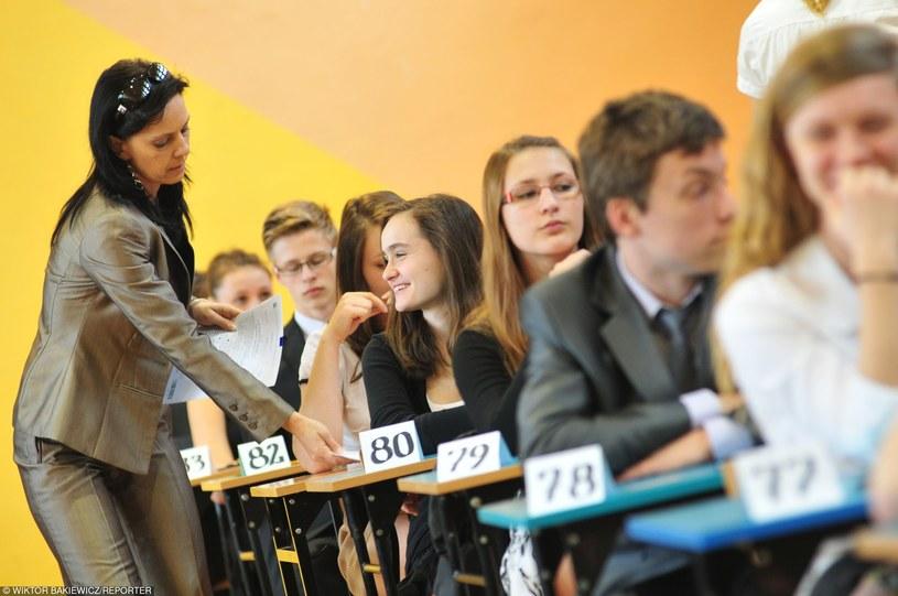 Uczniowie tuż przed egzaminem gimnazjalnym fot. 2015 / zdj. ilustracyjne /Wiktor Bakiewicz /Reporter