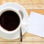 Uczniowie wlali do kawy nauczycielki wybielacz