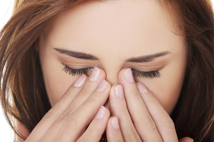 Uczucie zatkanego nosa towarzyszy ci o każdej porze roku? /123RF/PICSEL