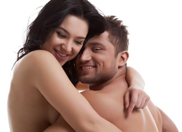 Udane życie seksualne to ważna część każdego związku /123RF/PICSEL