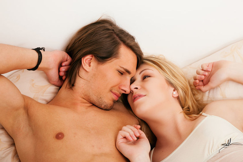 Udany seks poprawia samopoczucie /123RF/PICSEL