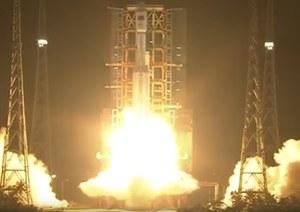 Udany start CZ-7, udane lądowanie modelu kapsuły i megarakieta
