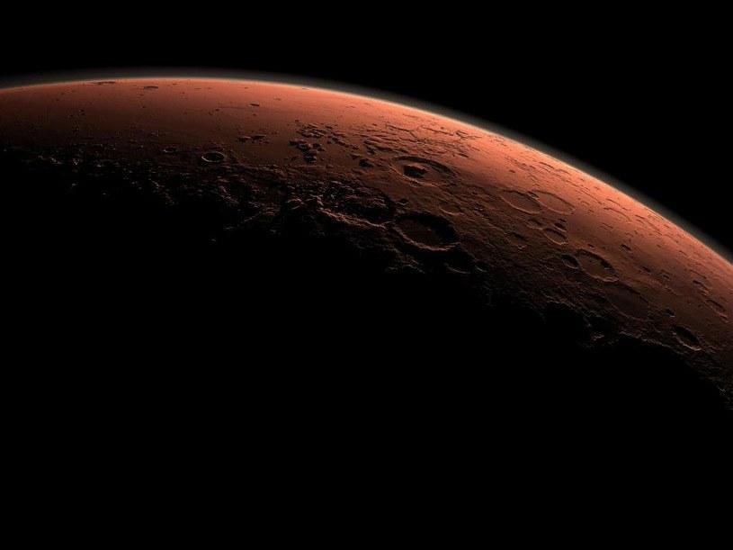 Uderzenia planetoid i komet mogły sprawić, że Mars na krótko stał się możliwy do zamieszkania /NASA