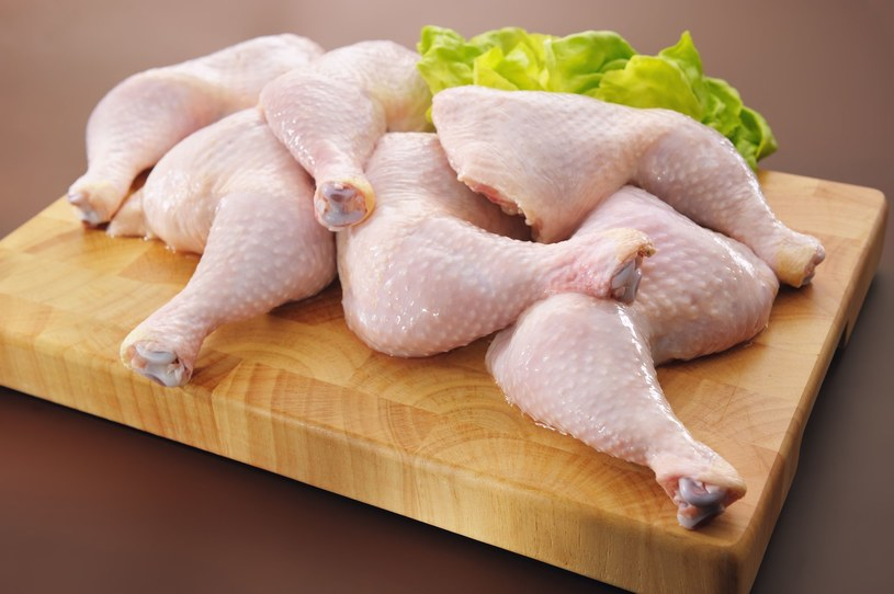 Udka kurczaka ze słodką owocową nutą /123RF/PICSEL