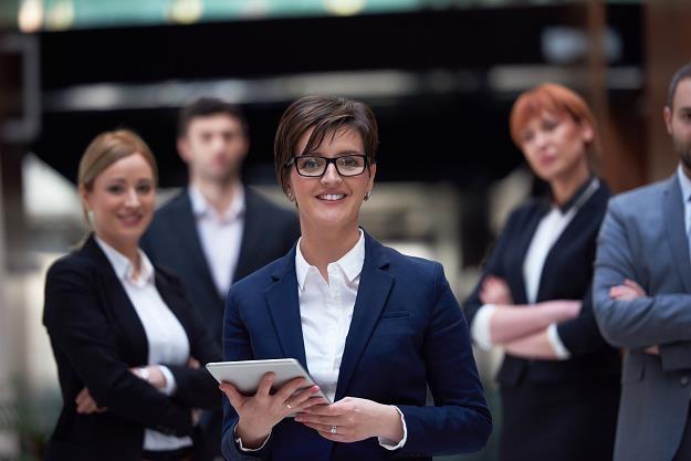 Udogodnieniem w zarządzaniu danymi firmy jest nadanie statusów uprawnień dostępu do dokumentów /©123RF/PICSEL