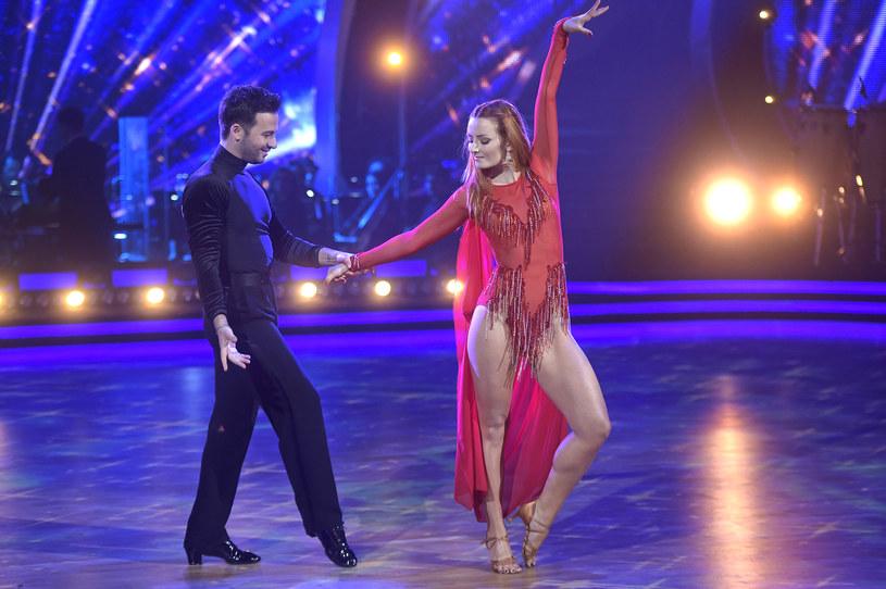 """Udział w programie """"Taniec zGwiazdami"""" u boku Stefano Terrazzino sprawił, żeIwona Cichosz zdnia na dzień zyskała wielką popularność (2017) /AKPA"""