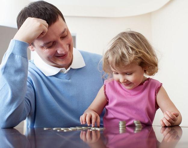 Udzielenie urlopu ojcowskiego tylko na pewnych warunkach /©123RF/PICSEL
