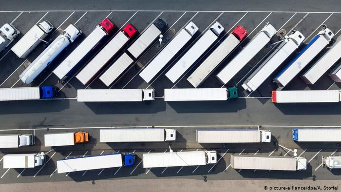 UE uzgodniła zmianę przepisów o kierowcach ciężarówek w przewozach międzynarodowych /Deutsche Welle