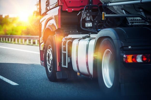 UE wprowadzi limity CO2 dla ciężarówek /©123RF/PICSEL