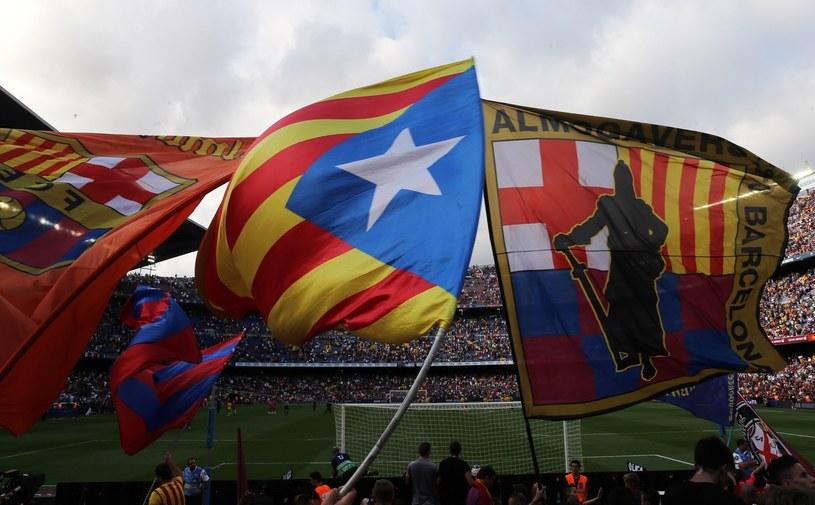 UEFA ma zastrzeżenia do flag na Camp Nou /AFP