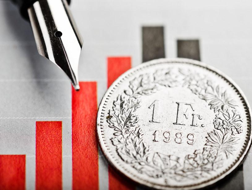 Ugody z bankami będą sposobem na rozwiązanie problemu kredytów frankowych? /123RF/PICSEL