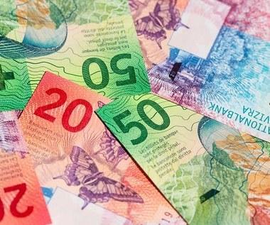 Ugody z frankowiczami to dobre rozwiązanie, ale kluczowy ruch należy do banków