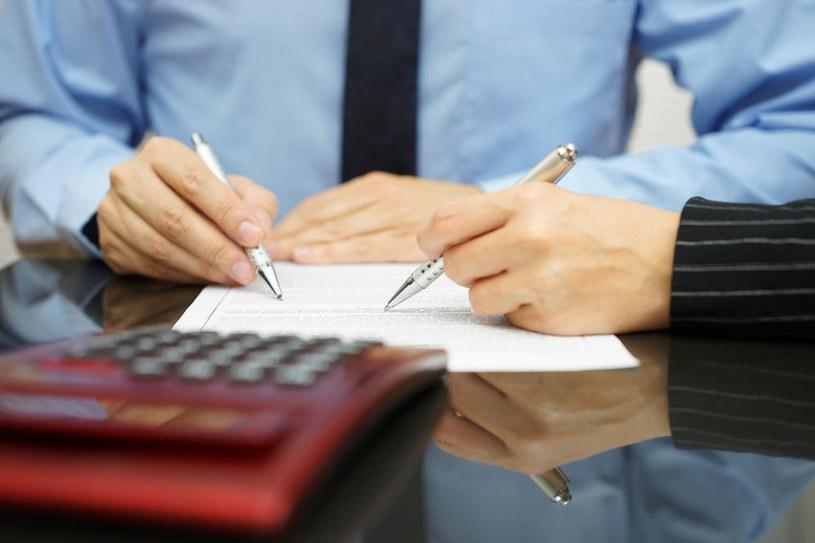 Ugody z klientami w sprawie kredytów we frankach są dla banków najmniej kosztownym rozwiązaniem. /123RF/PICSEL