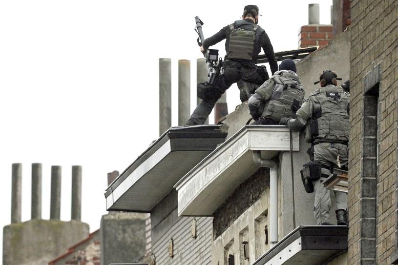 Ujęcie podejrzanych osób związanych z atakiem w Belgii /AFP