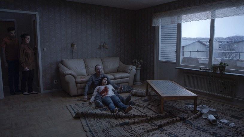 """Ujęcie z filmu """"O nieskończoności"""" nawiązujące do znanego obrazu Ilji Riepina /Aurora Films /materiały prasowe"""