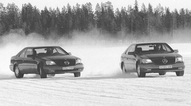 Układ stabilizacji toru jazdy to kolejny przykład na zaawansowanie konstrukcyjne Mercedesów klasy S. /Mercedes