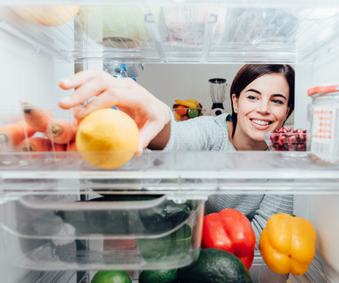 Układanie produktów w lodówce – czy na pewno robisz to prawidłowo?