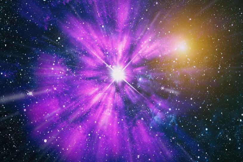 Układy podwójne gwiazd są powszechne, ale układy sześciogwiazdowe są rzadko obserwowane /123RF/PICSEL