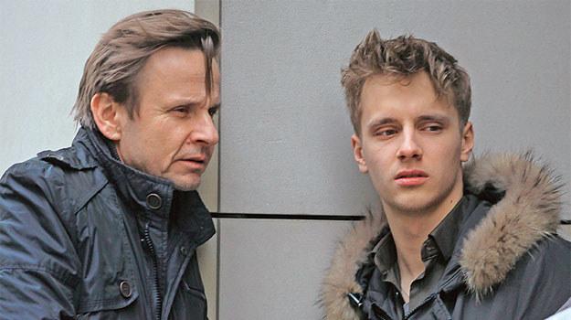 Ukochany Carmen Jan Wolski (Bartłomiej Topa) z jej synem Frankiem. To on w 5 odc. powiedział Janowi o przeszłości mamy. Co teraz? /Tele Tydzień