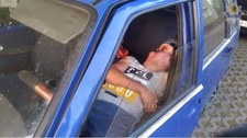 Ukradł... Fiata Uno, a potem w nim zasnął