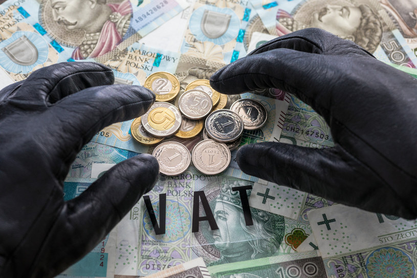 """Ukradzione przez oszustów pieniądze państwo """"ściąga"""" z uczciwych przedsiębiorców /Arkadiusz Ziółek /Agencja SE/East News"""