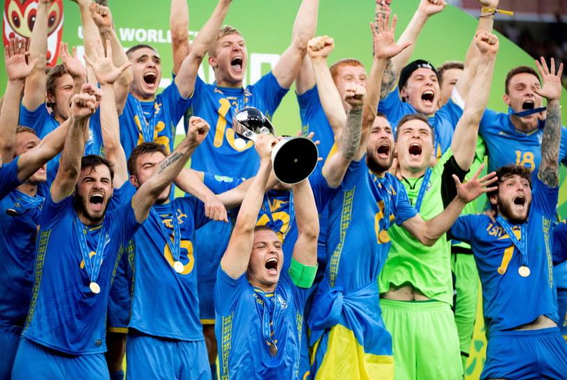 Ukraina do lat 20 z Pucharem Świata /Grzegorz Michałowski /PAP