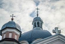 Ukraina: Duchowny handlował nielegalną bronią. Trzymał ją w cerkwi