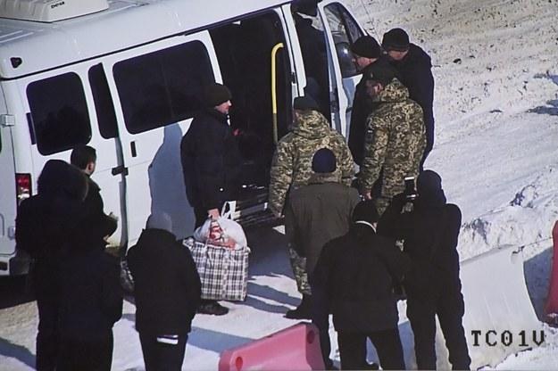 Ukraina i Rosja dokonały wymiany zatrzymanych pograniczników /Ukrainian border service / HANDO /PAP/EPA