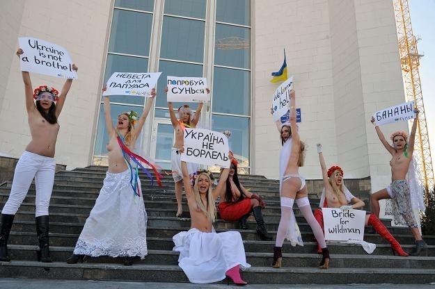 """""""Ukraina to nie burdel"""" to sztandarowe hasło FEMEN wymierzone przeciwko seksturystyce /AFP"""