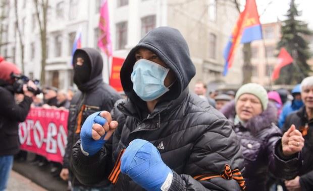 """Ukraina: Wojsko wkracza do akcji. """"Dialog głuchych w ONZ"""""""