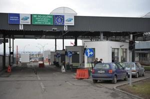 Ukraińcy na potęgę rejestrują samochody w Polsce. Rekordzista ma 3,5 tys. aut