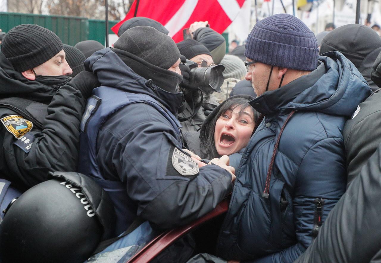 Ukraińcy nie chcą lockdownu. Starli się z policją w Kijowie
