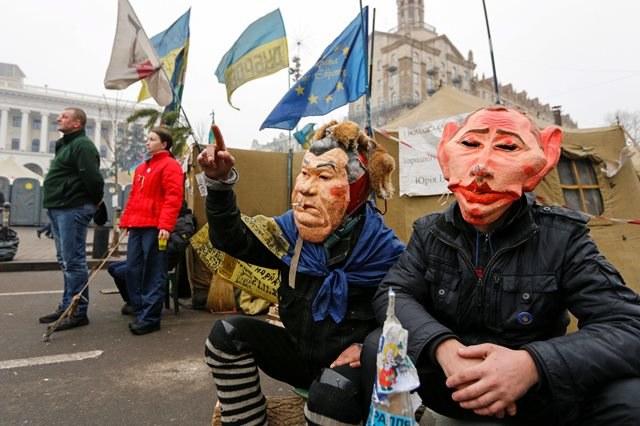 Ukraińcy wciąż protestują /SERGEY DOLZHENKO /PAP/EPA