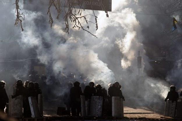 Ukraińscy dziennikarze skarżą się na brutalną milicję /PAP/EPA/ZURAB KURTSIKIDZE /PAP