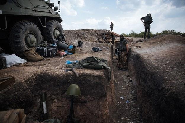 Ukraińscy żołnierze nieopodol miejscowości Rassypnoe /ROMAN PILIPEY /PAP/EPA