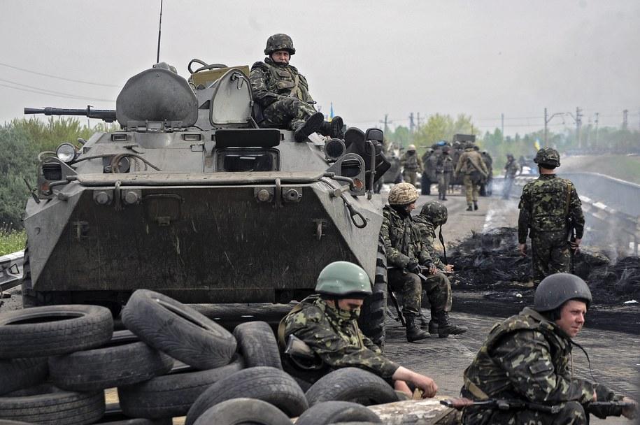 Ukraińscy żołnierze w Słowiańsku /ROMAN PILIPEY /PAP/EPA