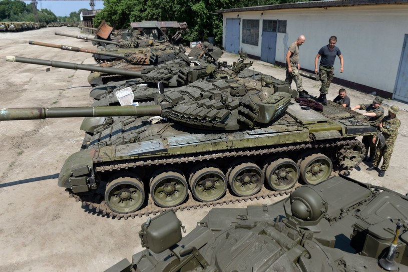 Ukraińska armia wycofała czołgi z Donbasu /AFP