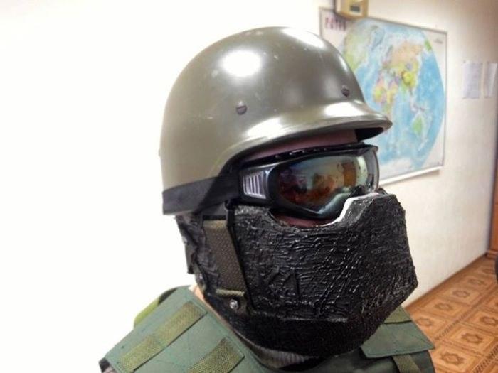 Ukraiński stormtrooper w hełmie bez kamuflażu /INTERIA.PL/materiały prasowe