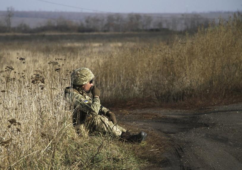 Ukraiński żołnierz w Donbasie /SERGEY VAGANOV /PAP/EPA