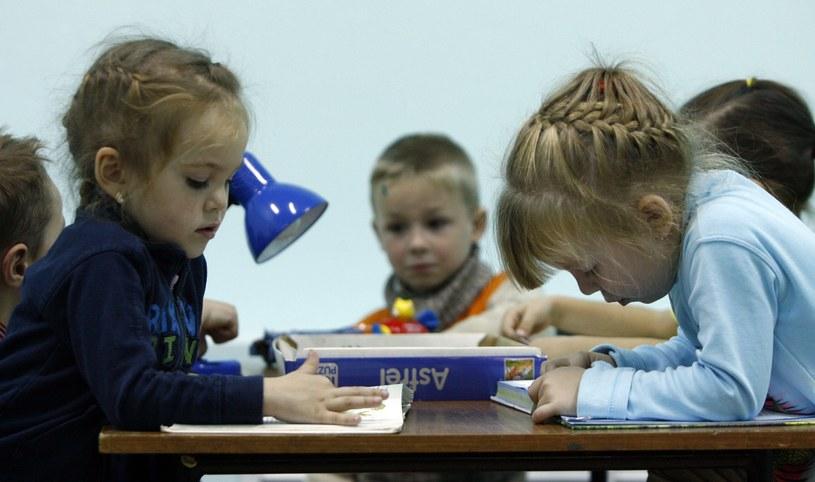 Ukraińskie dzieci w jednym z obozów dla uchodźców w pobliżu Rostowa. /AFP