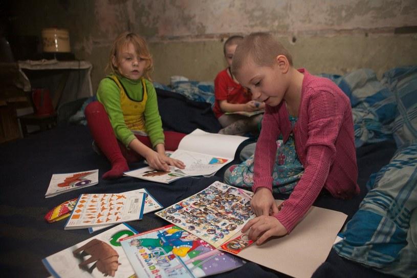 Ukraińskie dzieci w jednym ze schronów, który stał się ich domem /© UNICEF/Filippov  /
