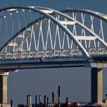 Ukraińskie okręty przepłynęły pod mostem kontrolowanym przez Rosjan
