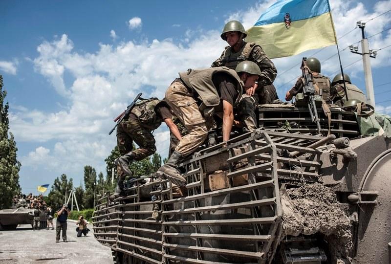 Ukraińskie wojsko w Doniecku /SERGEY POLEZHAKA /PAP/EPA