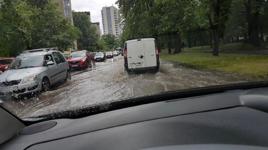 Ul. Kijowska po przejściu burzy /Gorąca Lina RMF FM /